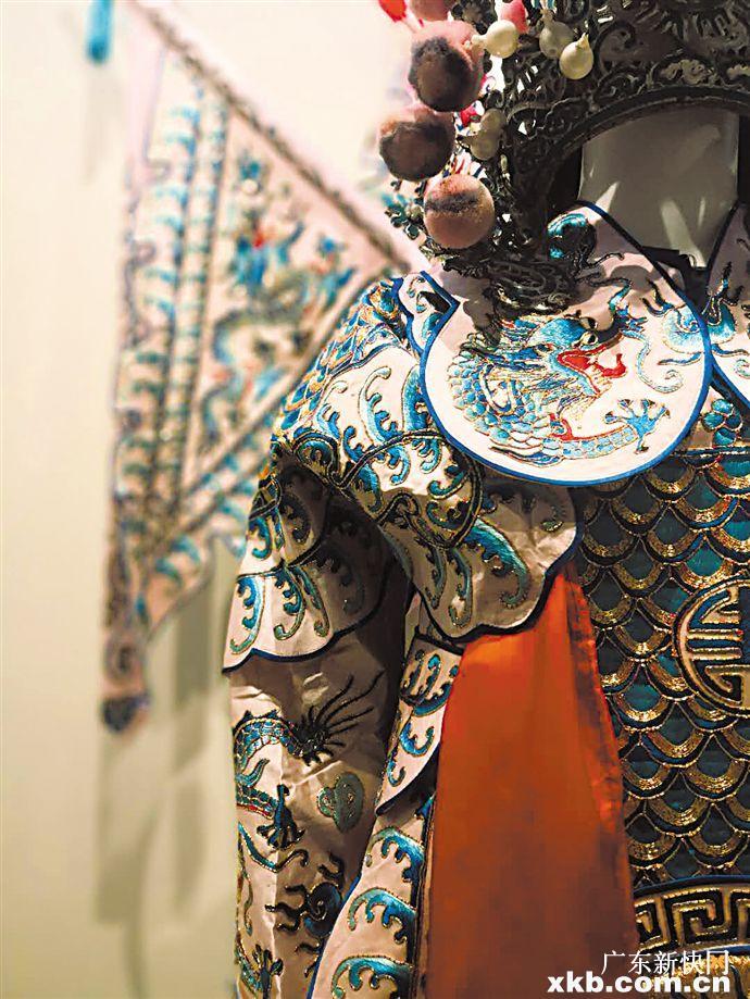 一個個鮮活形象或忠或奸是主是次 通過粵劇戲服就能一眼看穿|戲服_新浪財經_新浪網