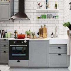 Small Kitchen Sinks Gooseneck Faucet 厨房水槽正确安装姿势别等装完后悔 但是不管是大厨房还是小厨房 水槽 的深度应该设计在20cm左右 方便洗涤 又防止了水花外溅 距离墙面应该有40cm的侧面距离 这样有空间放置需要刷洗的餐具厨具