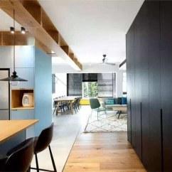 High Top Kitchen Table Set Slate Appliance Package 为了放下杂物 老婆竟然在房顶上打了一排柜子 太实用 厨房木质储物架以及蓝色储物柜对厨房用品进行了很好的分类收纳 造型圆润充满线条感的高脚蹬让空间更加有张力 吧台上方的线条型吊灯烘托出一种华丽感 整个厨房的设计