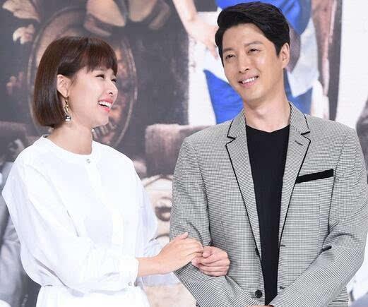李東健趙胤熙結婚 2月與智妍分手5月與新歡成婚當爹