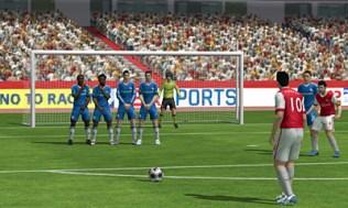 3DS_FIFA_SSvanPersie_freekick_E3