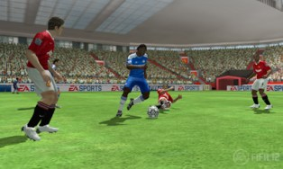 fifa12_3ds_drogbatackle_wm