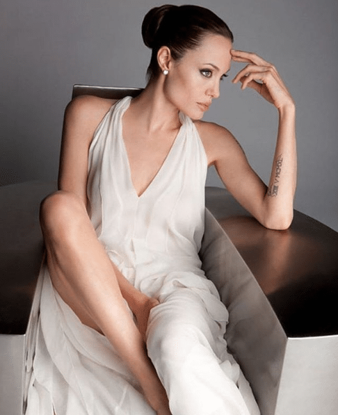 Angelina-Jolie-on-Photoshoot-1