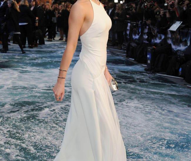 Emma-Watson Hot
