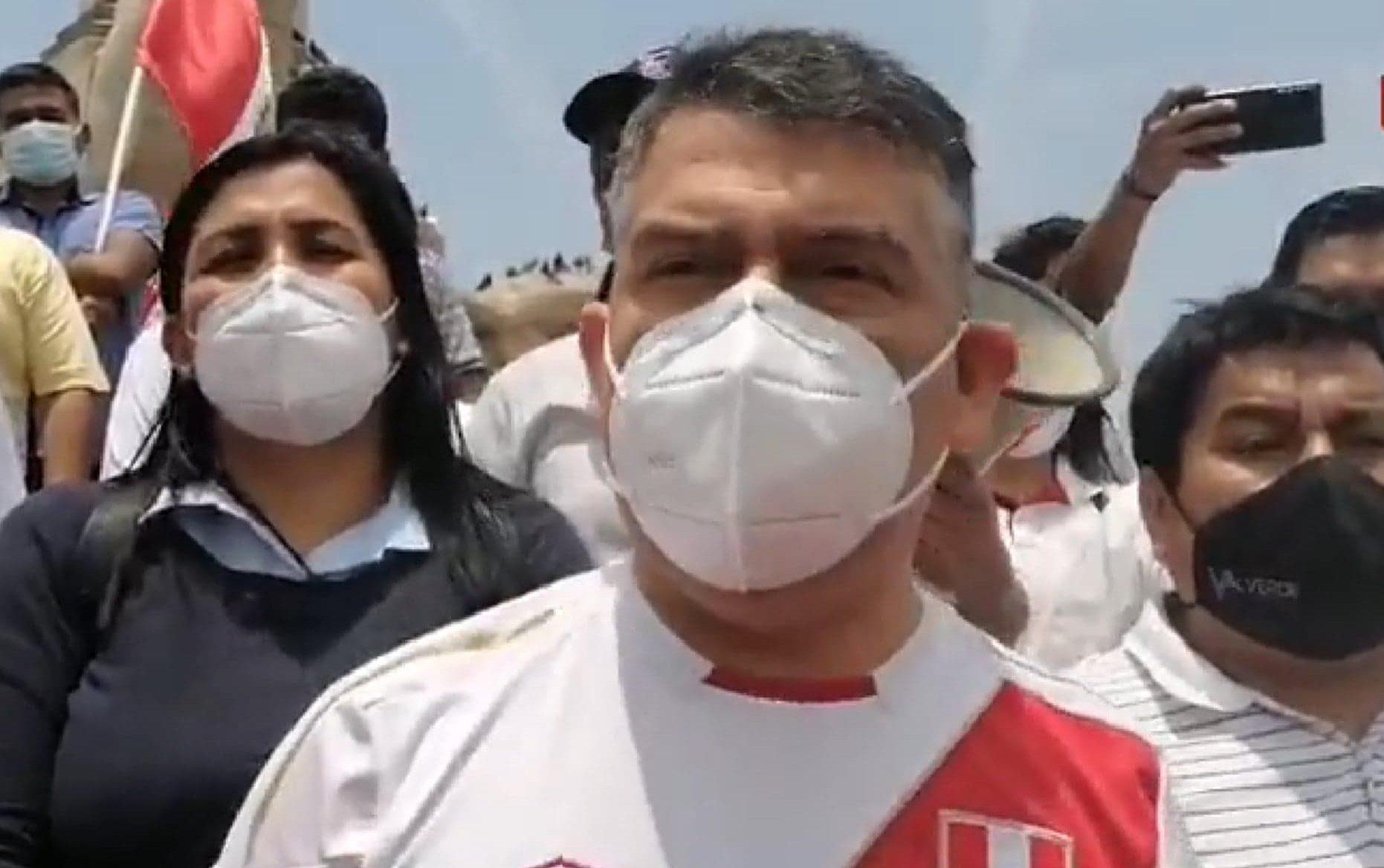 Trujillo: Julio Guzmán llegó se unió a marcha contra el gobierno - Noticias  del Norte del Perú