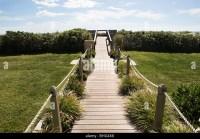 Wooden Garden Bridge Stock Photos & Wooden Garden Bridge ...
