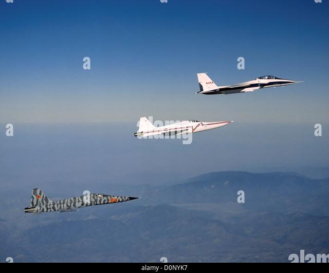 F 22 Fighter Jet Sonic Boom