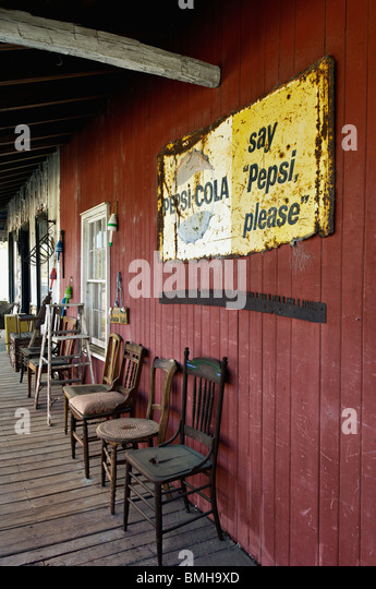 outside rocking chair canada accent dining room chairs antique store stock photos & images - alamy