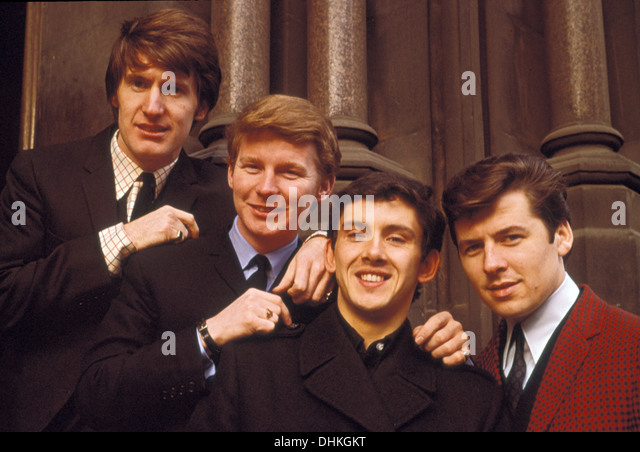 THE SEARCHERS UK pop group in 1965. From left: Chris Curtis, John McNally, Frank Allen, Mike Pender Stock Photo