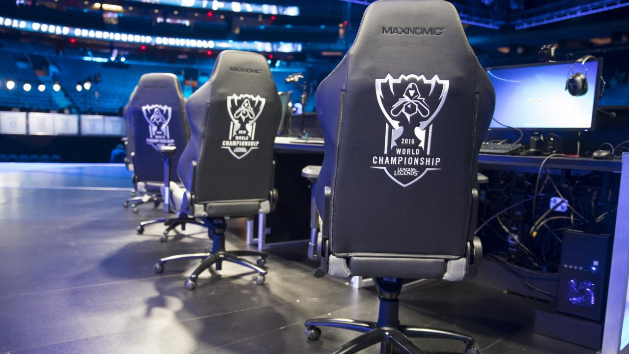 lcs gaming chair tommy bahama lawn chairs win a used throughout worlds 2016 league of legends