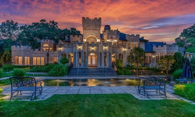 Modern American castle in Illinois