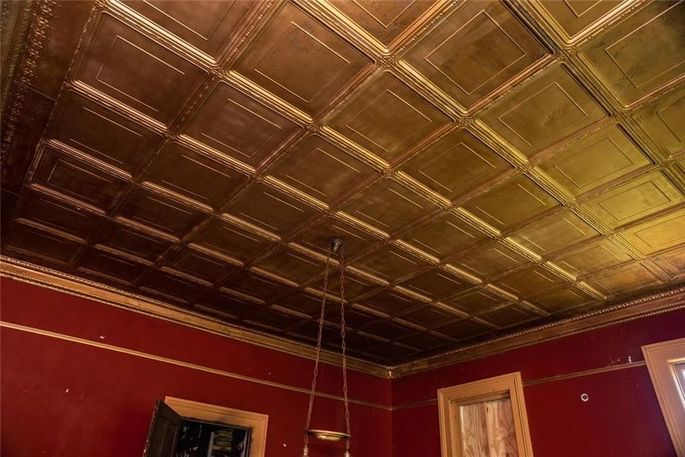 Pressed-tin ceiling