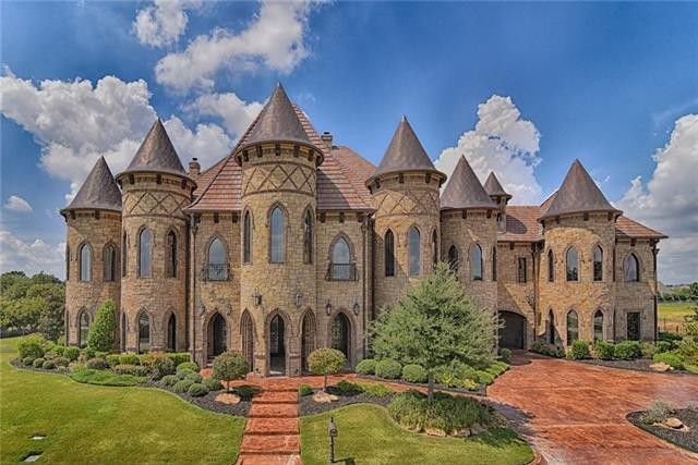 An American castle in the Dallas–Fort Worth area