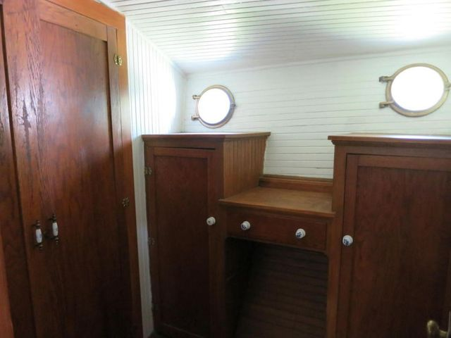 Bedroom23138NCambridgeAveMilwaukee