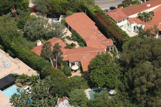 Adam Levine's new pad—Ben Affleck and Jennifer Garner's old family home