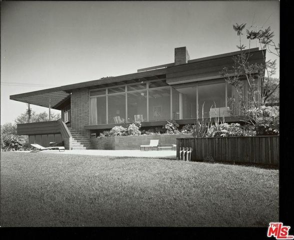 The classic Mid-Century Modern Asher House around the time it was built in the late 1940's