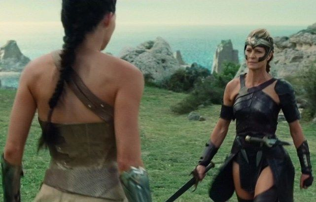 4 Life Lessons From Wonder Woman Every Woman Can Take To Heart 3