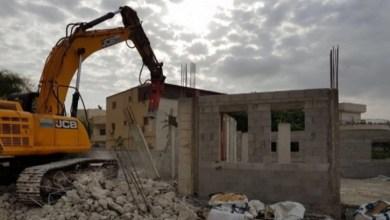 Photo of الاحتلال الإسرائيلي يهدم منزلا في القدس وآخر في الخليل