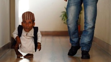 Photo of وفاة أقصر رجل في العالم بدولة نيبال