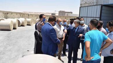 Photo of محافظ المنيا يتفقد أول مصنع لصناعة خام الورق على مستوى الصعيد