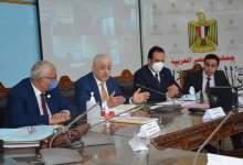 Photo of وزير التربية والتعليم والتعليم الفني يتابع سير عمليات امتحانات الثانوية العامة من غرفة عمليات الوزارة