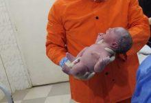 """Photo of أول """"ولادة طبيعية"""" في «عزل قويسنا» لمريضة كورونا"""