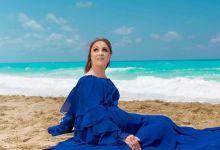 Photo of شيرين تتألق بالأزرق بعد طول غياب على شاطئ بحر الساحل الشمالى