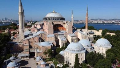 Photo of أردوغان يحضر أول صلاة جمعة باآيا صوفيا المحول من كنيسة إلي مسجد
