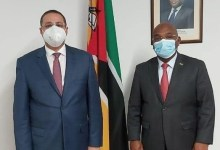 Photo of السفير المصري في مابوتو: بحث تعزيز التعاون مع وزير الصناعة والتجارة الموزمبيقي