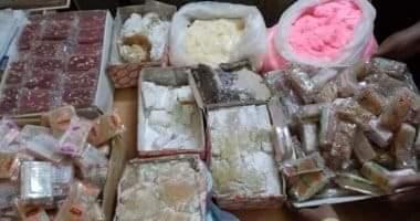 Photo of التموين:777 كيلو حلوى مولد مجهولة المصدر تم ضبطهم داخل مصنع بالسيدة زينب