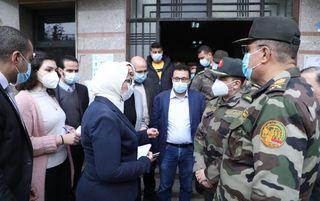 Photo of زايد تتفقد مركز طبي النزهة تمهيدًا لتوزيع لقاح كورونا