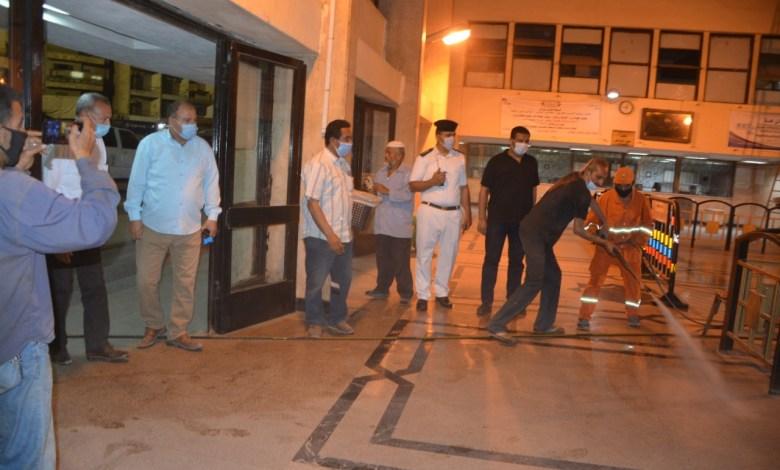 Photo of محافظ القليوبية يقود حملة تطهير وتعقيم الشوارع بمدينة بنها