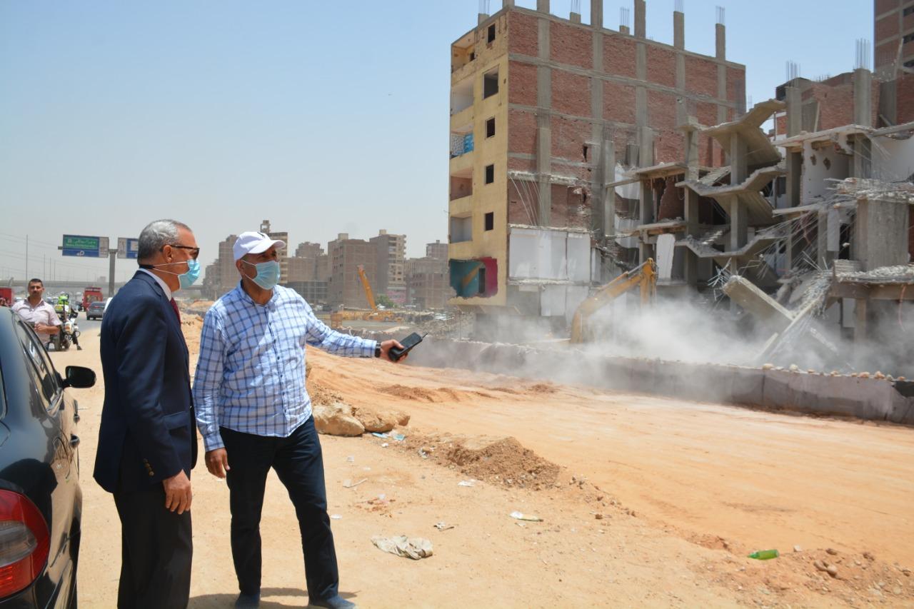 """""""الهجان"""" يتفقد مشروع """"سكن لكل المصرين """" بحي شرق شبرا الخيمة ويتابع إزالة المباني المتعارضة مع توسعة الطريق الدائري"""