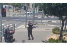 Photo of عاجل  القوات الإسرائيلية تطلق النار على فلسطيني قرب حي الشيخ جراح