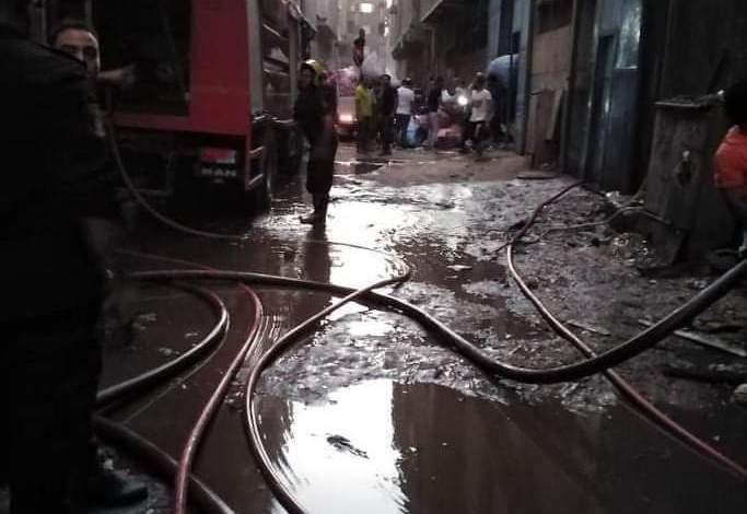 Photo of عاجل  السيطرة على حريق نشب في مصنع منسوجات بشبرا الخيمة وتبريد الموقع