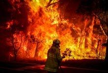 """Photo of """"حرائق الغابات"""" إجلاء السياح والسكان في اليونان مع استمرار اشتعال النيران"""