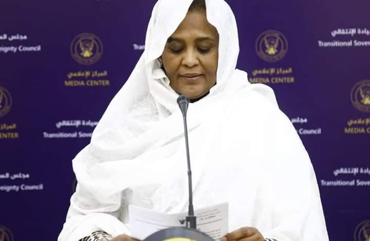 السودان: مريم المهدي .. إبنة الامام تسعى لتطبيب جراح الخارجية