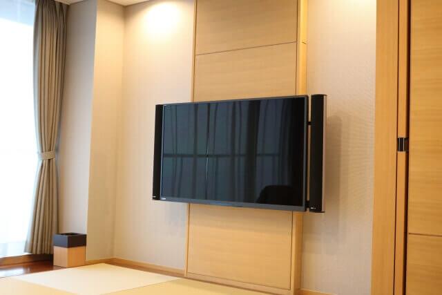 壁掛けテレビキット