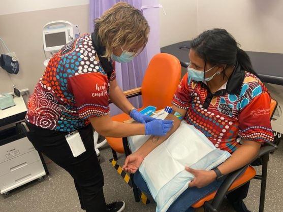 Bulgarr Ngaru Medical Aboriginal Corporation (NSW) staff completing screening for hepatitis C