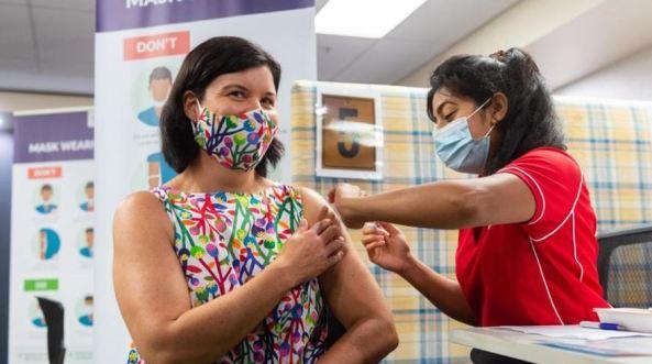 NT Health Minister Natasha Fyles getting covid-19 vax