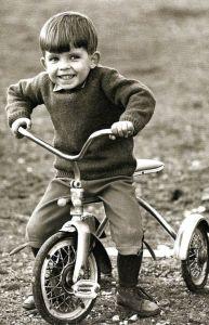 nino-con-triciclo_1963-small