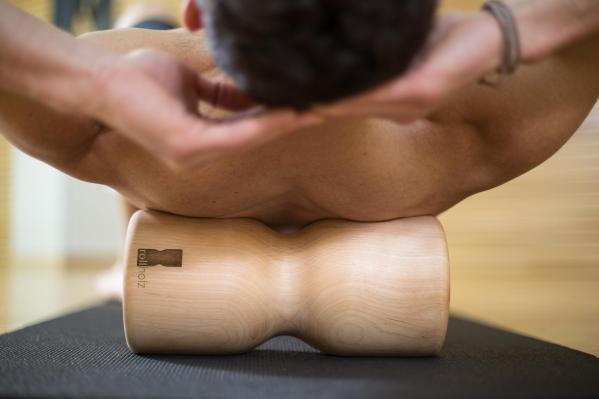 Massagerolle aus Holz nachhaltiger Sport