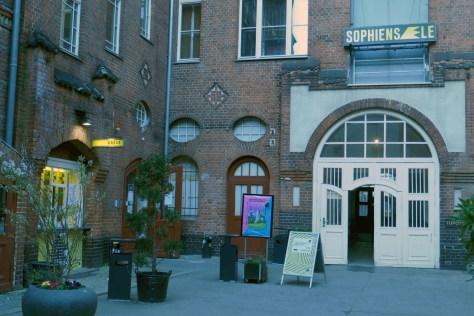Eingang zu den Sophiensaelen in Mitte. Foto: Ulrich Horb