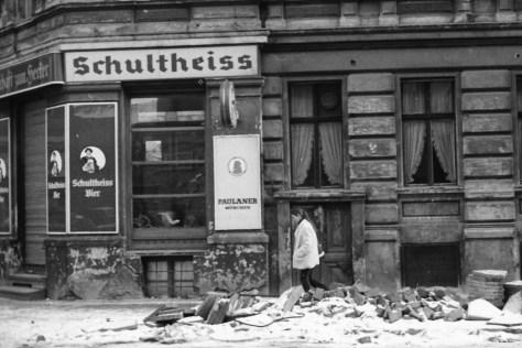 Kreuzberger Eckkneipe 1981. Foto: Ulrich Horb