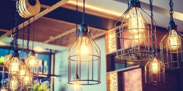 飲食店における有効的な照明とは…照明の種類を知ろう!