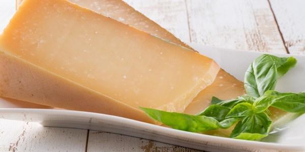 飲食店で出すべきセミハードチーズの種類とは?