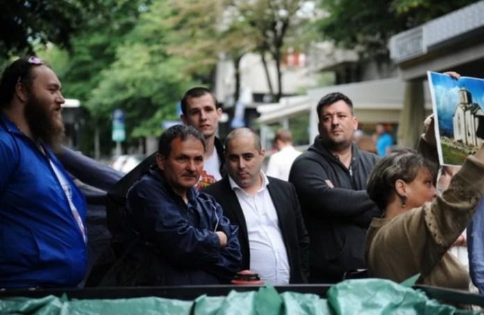 ДЕСНИЧАРИ СЕ ПОБУНИЛИ: Протест и блокада због шиптарског фестивала у Београду (ФОТО) 1