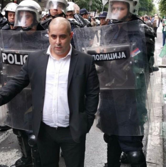 ДЕСНИЧАРИ СЕ ПОБУНИЛИ: Протест и блокада због шиптарског фестивала у Београду (ФОТО) 3