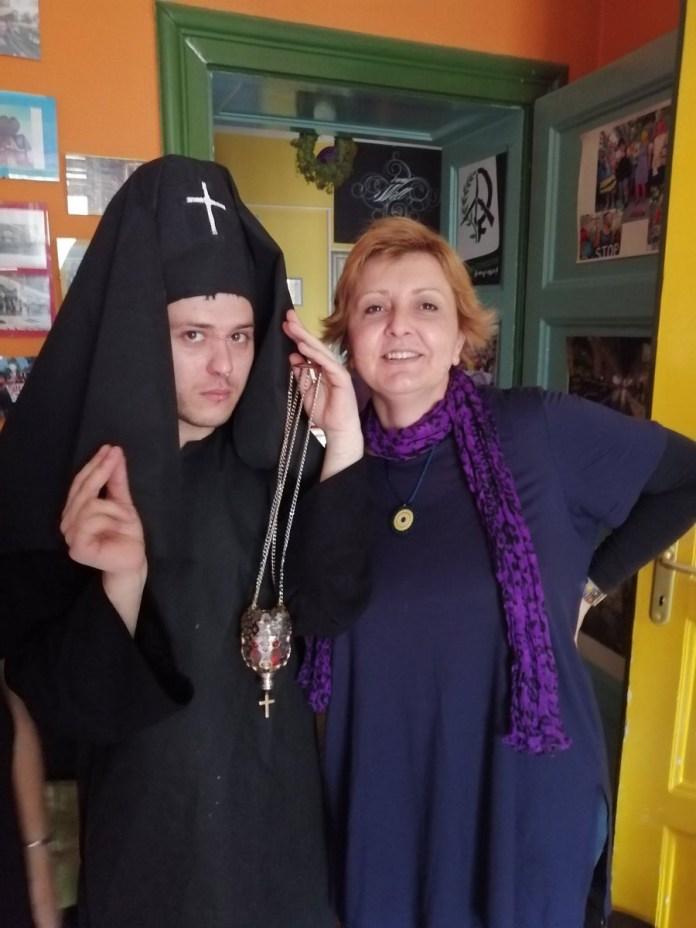 """ВЕШТИЦЕ И СТРАНИ ПЛАЋЕНИЦИ! Српска десница са највећим презиром реагује на протест """"Жена у црном"""" 3"""