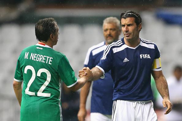 Negrete compite por el mejor gol en la historia de los Mundiales